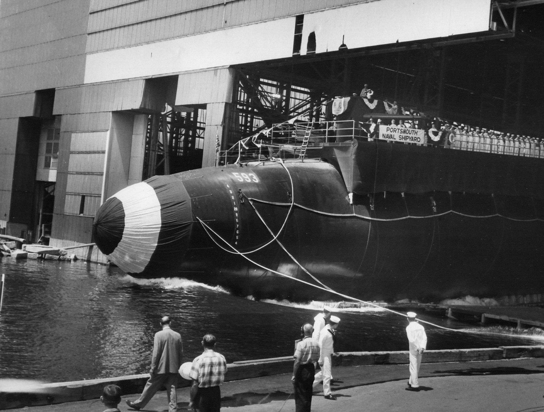 члены этой фото подводной лодки трешер помимо